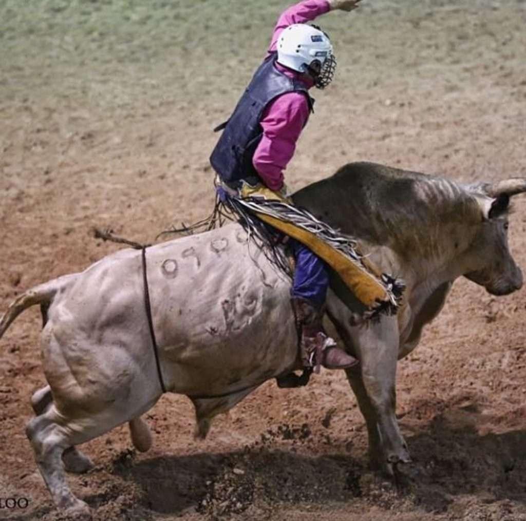 suhls rodeo bull riding contestant